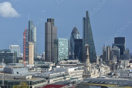 Poster Londres bus rouge The city of London from a height