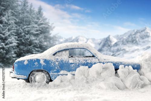Fotobehang Wintersporten winter car in snow