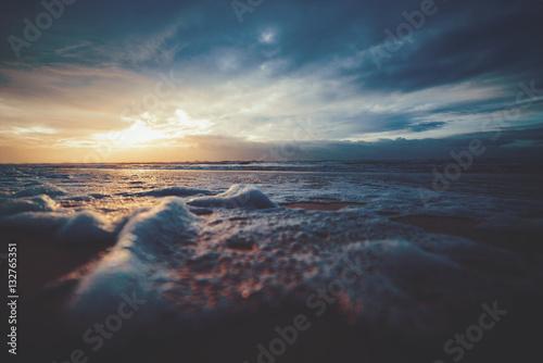 Plakat Sonnenuntergang über dem Nordseestrand
