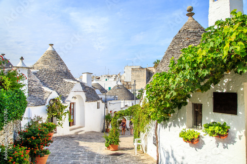Photo View of Trulli houses in Alberobello, Italy