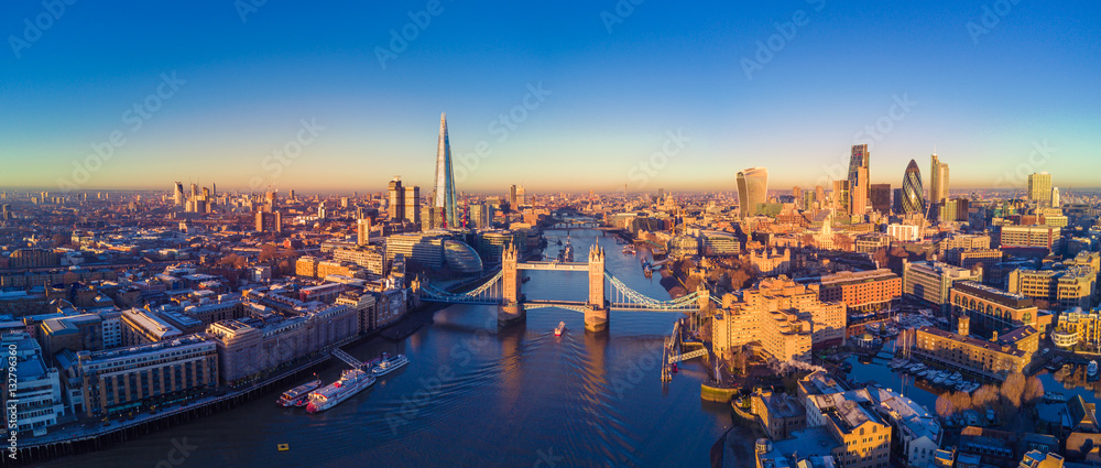 Fototapety, obrazy: Aerial view of London and the River Thames