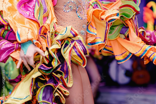Cadres-photo bureau Carnaval Brazilian Carnival. Dancing in bright tropical colors. Toning.Shallow depth of field.