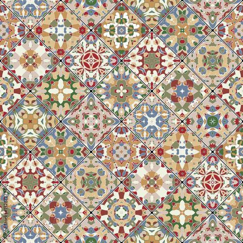 kwadratowe-skrawki-w-stylu-orientalnym