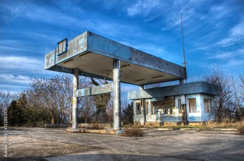 Fotografie, Obraz  abandoned gas station