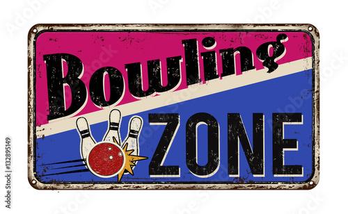 Photo sur Aluminium Art abstrait Bowling zone vintage metal sign