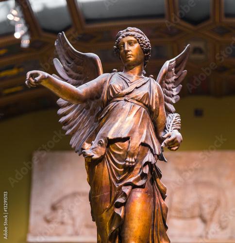 Fotografija  Winged Victory ancient sculpture of Nika