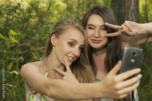 nude-teenage-girls-by-themselves