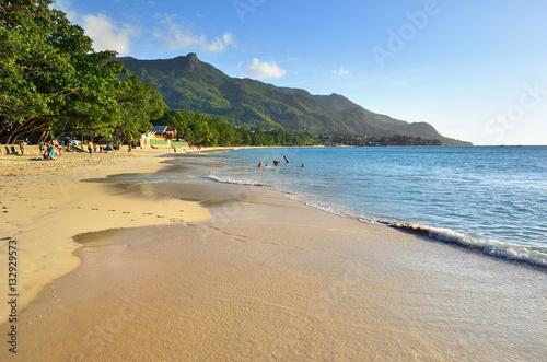 Fotografie, Obraz  Sandy beach Beau Vallon, Mahe, SEYCHELLES