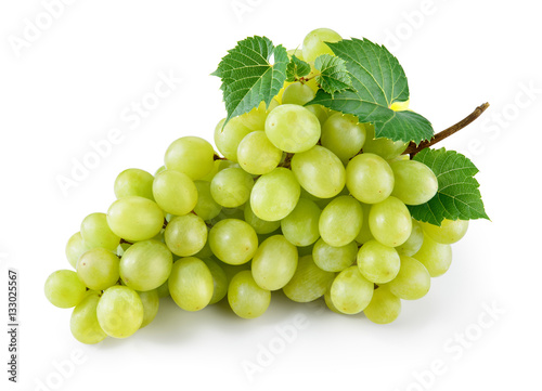 Green grape with leaves isolated on white. With clipping path. F Fototapet