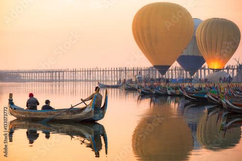 Fotografia Sunrise at U Bein Bridge