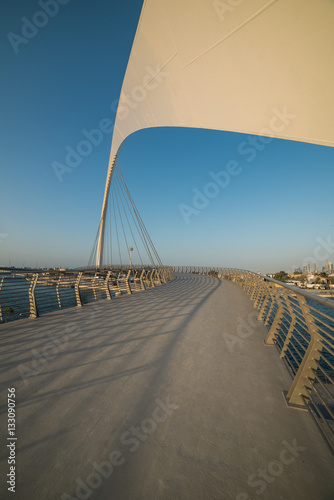 Photo  Dubai Water Canal - UAE