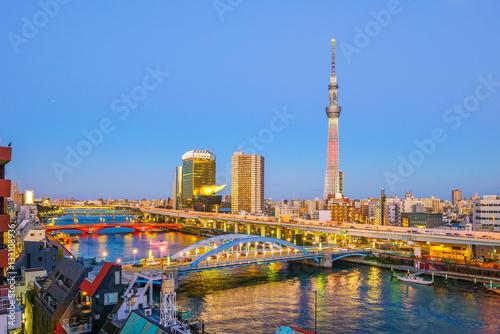 Foto auf AluDibond Tokio Tokyo skyline with the Sumida River