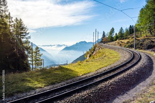 Obrazy na płótnie Canvas Gleise der rhätischen Bahn, Graubünden, Schweiz