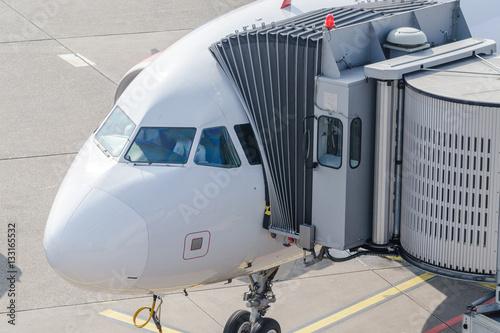 Fotografering  Flugzeug Brücke, Gehweg zum Flugzeug für Passagiere
