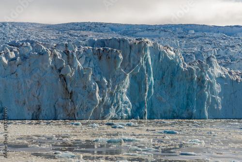 Foto op Plexiglas Arctica Arctic landscape with glacier in Svalbard, Spitsbergen