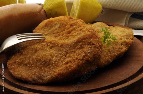 Fotografía  Suprema de pollo Cotoletta alla milanese Wiener Schnitzel Отбивная по-милански T