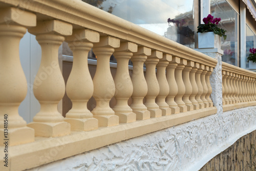 Cuadros en Lienzo Columns in the fence