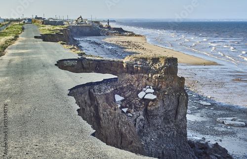 Fotografia, Obraz  Coastal erosion of the cliffs at Skipsea, Yorkshire