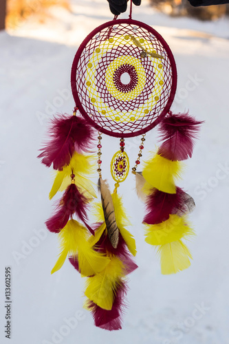 Cuadros en Lienzo Dreamcatcher made of feathers, leather, beads, and ropes