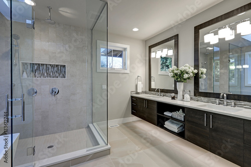 Spacious bathroom in gray tones with heated floors Fototapeta