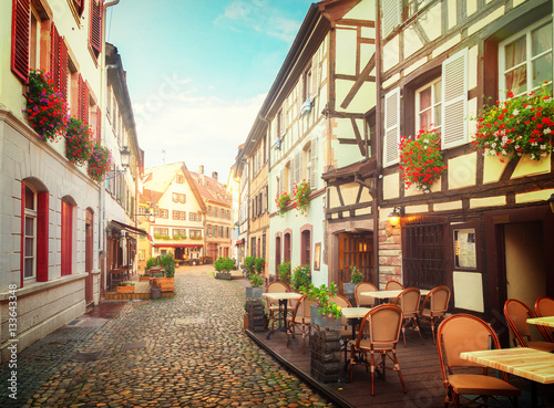 petite-france-petit-sredniowieczny-okreg-w-strasburgu-alzacja