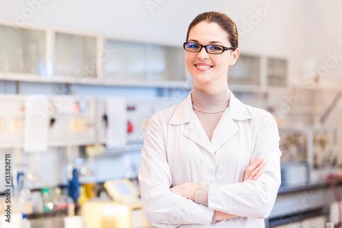 Fotografía  Woman scientist in laboratory