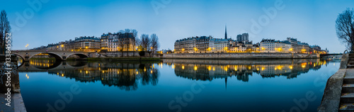 Poster Paris Seine River in Paris France at Sunrise