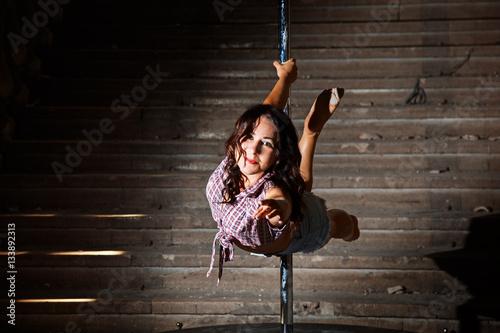 Valokuvatapetti Pole Dance