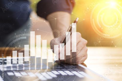 Fototapeta ręka biznesmen pracy z nowym nowoczesnym komputerem i biznesem