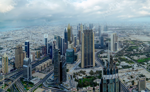 Photo  Dubai day time aerial cityscape view
