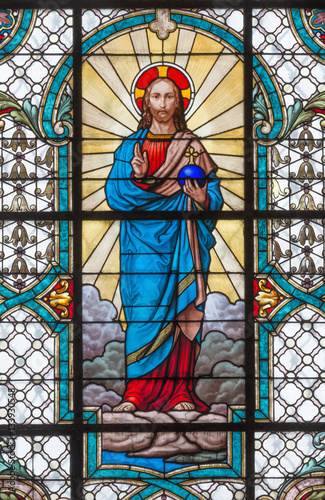 Fotografie, Obraz  VIENNA, AUSTRIA - DECEMBER 19, 2016: The Heart of Jesus on the stained glass of church Mariahilfer Kirche by prof