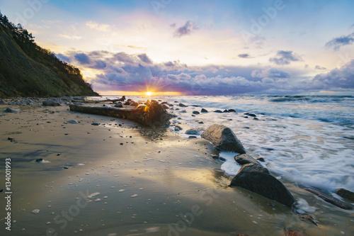 krajobraz-morze-burzliwy-wieczor-nad-morzem