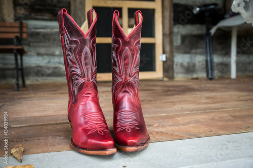 Valokuva  Red cowgirl boots