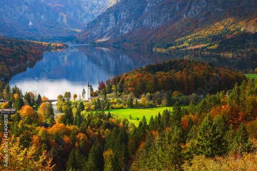 widok-na-jezioro-bohinj-w-alpach