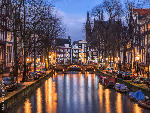 Staande foto Amsterdam Amsterdam canal Leidsegracht and bridge in the evening