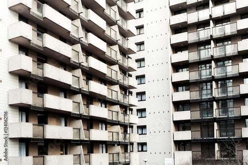 immeuble cité logement social balcon barre béton urbain quarti Canvas Print