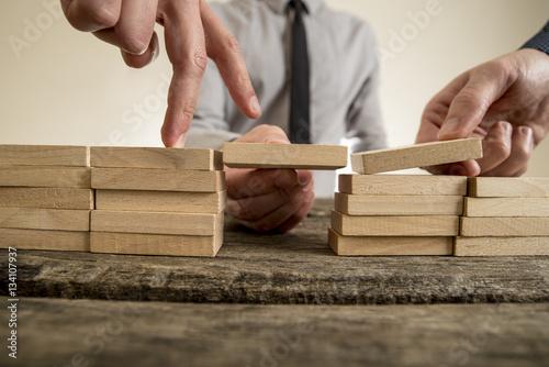 Fotografía  Businessmen solving problems