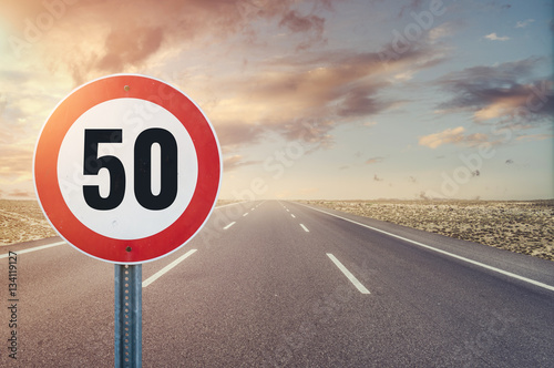 Fotografía  Speed Limit Road Sign
