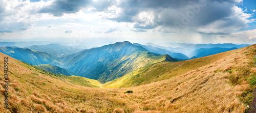Foto auf Gartenposter Gebirge Landscape with blue mountains