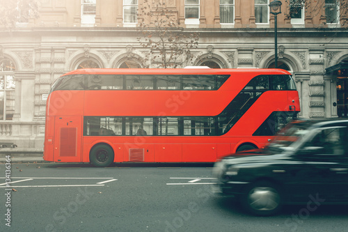 Türaufkleber London roten bus Taxi cab in motion, London red bus in station, special for canvas