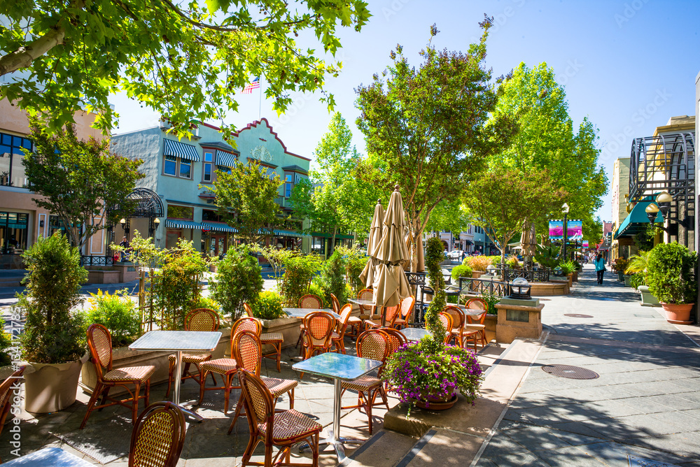 Fototapety, obrazy: Castro Street in downtown Mountain View, California, USA.  Morning sunshine.
