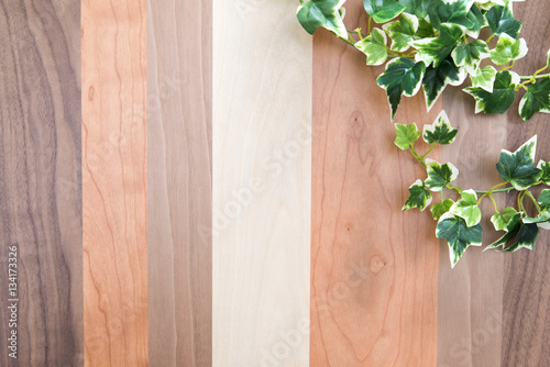 Foto  植物と木目