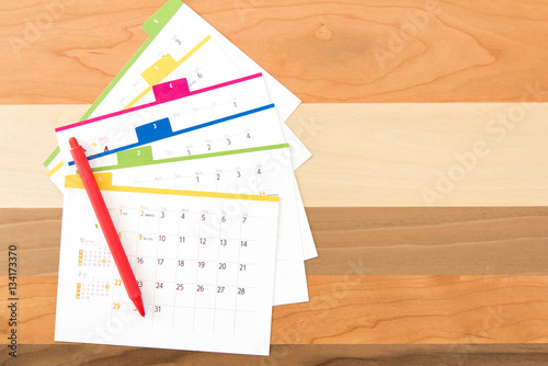 Foto  カレンダーと赤ペン