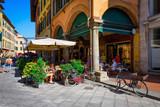 Fototapeta Uliczki - Narrow cozy street in Pisa, Tuscany. Italy