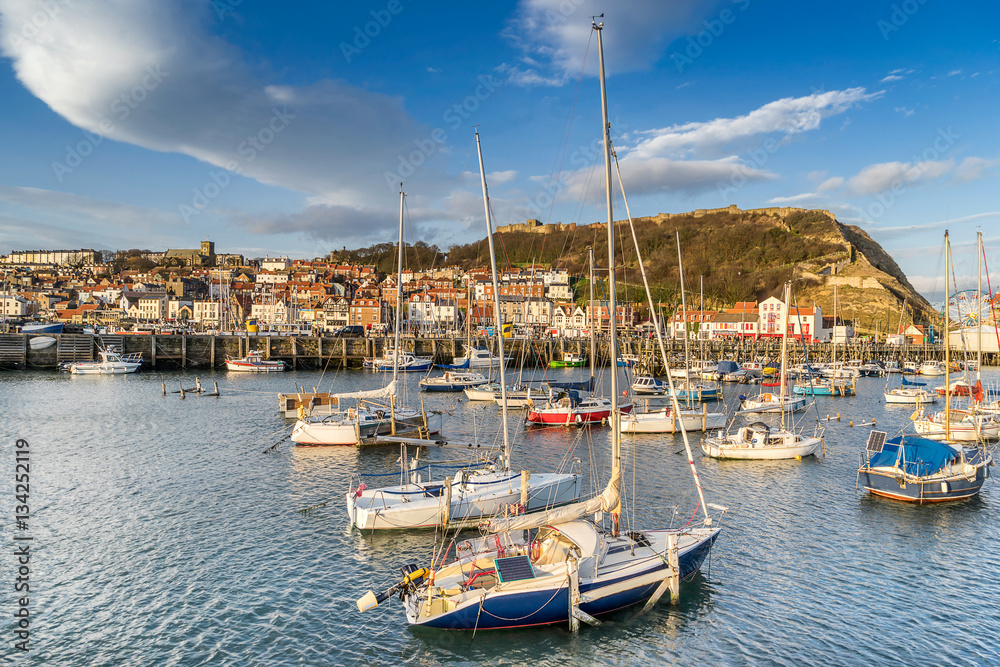 Fototapety, obrazy: The harbour in Scarborough Yorkshire
