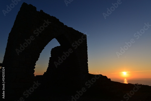 Foto op Aluminium Rudnes Gronez Castle, Jersey, U.K. Wide angle image of a 13th century guardhouse, the only part left of the castle ruin.