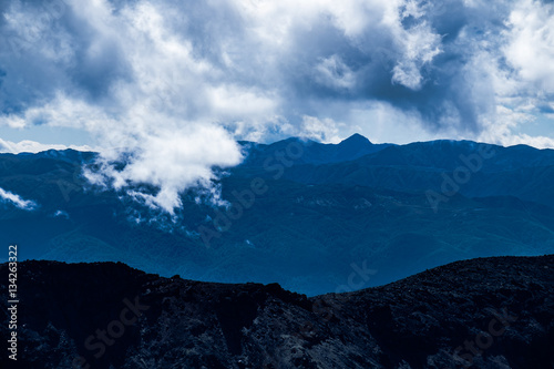 Photo  Volcanic rough landscape in Tongariro national park, New Zealand