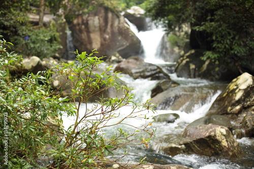 Fototapeten Wasserfalle Khao Cha Mao Waterfall in Rayong Thailand