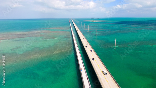 La pose en embrasure Ponts Bridge over Florida Keys, aerial view