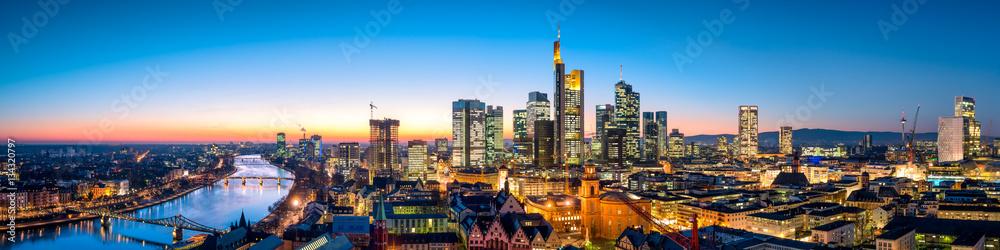 Fototapety, obrazy: Frankfurt Skyline am Abend
